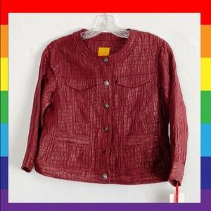 Ruby RD. Burgundy crinkle Crop button down